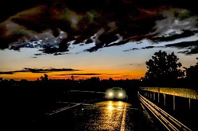 Ночью по проселочной дороге